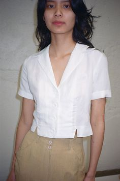 Super ideas for clothes summer outfits white crop tops Crop Blouse, Crop Shirt, Solid And Striped, Short Tops, Fashion Sewing, Blouse Designs, Summer Outfits, Fashion Dresses, Clothes For Women