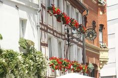 The wine tavern Bluhm is located right in the heart of the old quarter of Mainz.