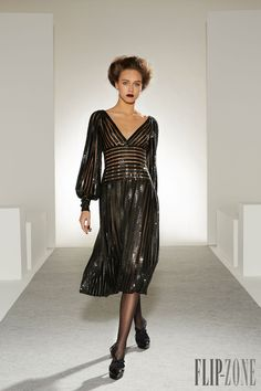 Georges Chakra Fall-winter 2013-2014 - Couture - http://www.flip-zone.net/fashion/couture-1/fashion-houses/georges-chakra-3987