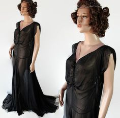 Hey, I found this really awesome Etsy listing at https://www.etsy.com/listing/475776704/1930s-40s-evening-gown-circus-dancer