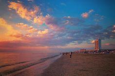 Sand forth  #zandvoort #holland #dutch #beach #sky #sunset  #colors_of_day #ig_europe #royalsnappingartists #sunset_lovee #sunset_madness #sunset_ig #sunsetsgram #viewmysunset #sunsets_oftheworld #sunrise_and_sunsets #sun_and_beach_sb #exclusive_sunset #sunset_vision #dream_sunset #my_sunset #sendmeyoursunset #uniquesunsets #cool_sunshotz #loves_skyandsunset #super_photosunsets #ig_world_colors #ig_myshot by moniqueanrochte