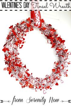 Valentine's Day, while the least of my favorite holidays can bring out the crafters in everyone. Neat wreath.