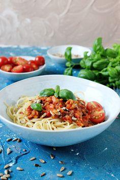Spaghetti z warzywnym sosem Feta, Spaghetti, Lunch, Tortellini, Blog, Ethnic Recipes, Eat Lunch, Blogging, Lunches