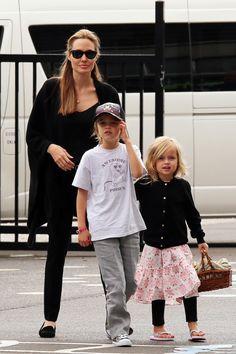 Angelina Jolie, Shiloh & Vivienne, Keva xo.