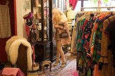 New York City teems with vintage wear—find your brand-new old favorites at these chic stores. Vintage Wear, Vintage Shops, New York Shopping, Retro Boutique, Empire State Of Mind, Second Hand Shop, Usa Baby, Stuff To Do, Bon Voyage