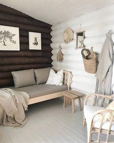 Cottage Renovation, Scandinavian Interior, Entryway Bench, Designer, Love Seat, Instagram Summer, Couch, Eyebrows, Eyeliner