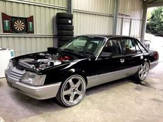 VK Calais Australian Muscle Cars, Aussie Muscle Cars, American Muscle Cars, Car Crafts, Holden Monaro, Holden Commodore, Old Classic Cars, Luxury Suv, Car Stuff