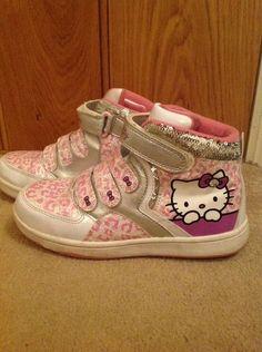 http://www.ebay.fr/itm/hello-kitty-hi-tops-size-2-/231347464837?pt=UK_Clothing_GirlsShoes_GirlsShoes_GL