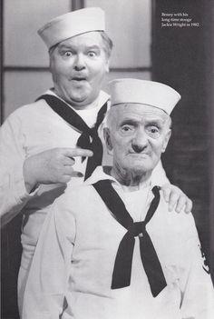 Alfred Hawthorn Hill, más conocido como Benny Hill fue un cómico británico que, durante más de dos décadas, protagonizó El show de Benny Hill.