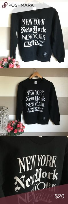 """New York graphic sweater sz small Pit to pit:20"""" Length:24.5"""" Arm length:22.5"""" Arm width:7"""" Waist:36"""" v Sweaters"""