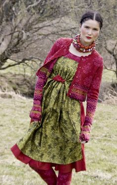 Gudrun Sjoden - I look at their catalog all the time. I love this look; Anybody wear Gudrun Sjoden? Hippy Chic, Boho Chic, Gypsy Style, Bohemian Style, Punto Fair Isle, Beautiful Outfits, Cool Outfits, Boho Fashion, Womens Fashion