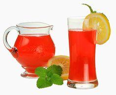 Extremamente rico em substâncias antioxidantes, o suco vermelho contém uma imensa variedade de preparo, já que pode receber uma série de frutas, tais como o
