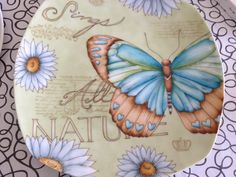 plato cuadrado mariposa Decoupage, Collage, Hand Painted Ceramics, Vintage Ads, Bugs, Butterfly, Plates, Tableware, Diy