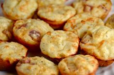 Pepperoni Pizza Puffs The puffs are perfect for a party, in lunch boxes or anytime you want a fun snack. Bonus: You can freeze a bunch ahead of time. Pepperoni Pizza Puffs, Freezer Meals, Oven, Favorite Recipes, Lunch Boxes, Snacks, Cooking, Breakfast, Twins