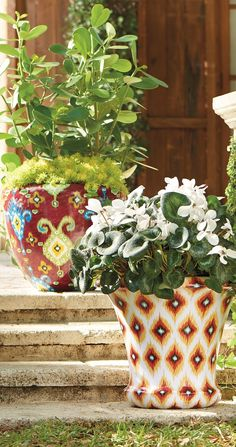 With a pattern borrowed from timeless kilim rugs, the Kilim Planter brings graphic, colorful design to the garden. Made of durable fiberglass, it showcases its paint beautifully.