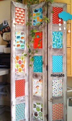 Fabric n frames Diy Room Divider, Room Divider Screen, Diy Pallet Projects, Wood Projects, Repurposed Furniture, Painted Furniture, Room Deviders, Muebles Shabby Chic, Partition Design