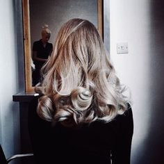 63 stunning examples of brown ombre hair - Hairstyles Trends Curly Blond Hair, Curly Hair Styles, Thin Hair, Blonde Balayage, Blonde Highlights, Cut Her Hair, Hair Cuts, Brown Ombre Hair, Messy Hairstyles