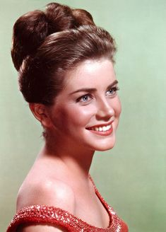 Dolores Hart - From young actress to nun, and she is having a blessed life!