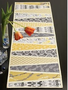Gorgeous table runner. (no tutorial) Sew Sew Go: Dresden Table Runner LOVE THE COLORS!