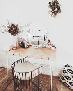 Vanity idea for the bedroom.