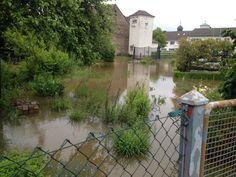 In Walsdorf (Lkr. BA) sehen sich die Anwohner dem Hochwasser ausgesetzt.
