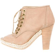 Pre-owned Stuart Weitzman Booties (1.757.600 IDR) ❤ liked on Polyvore