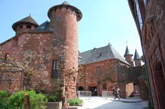 Le #village de Collonges-la-Rouge se niche aux confins du #Limousin. #France
