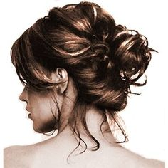 messy bun, I love the easy up do's. I don't mind doing something with my hair as long as it's quick and easy. Straightening it all the time takes to much time, 1 hour just for straight hair.