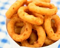 Onion rings (beignets d& No Salt Recipes, Cooking Recipes, Seafood Recipes, How To Make Batter, Onion Ring Batter, Onion Rings Recipe, Amazing Burger, Fast Food Items, Beer Batter
