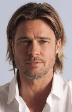 Beauty News - CHANEL has selected world renowned actor Brad Pitt to be the face of the upcoming advertising campaign for CHANEL Cabelo Do Brad Pitt, Celebrities Without Eyebrows, Chanel Nº 5, Perfume Chanel, Chanel Beauty, Perfume Fragrance, Brad And Angelina, Actrices Hollywood, Hommes Sexy