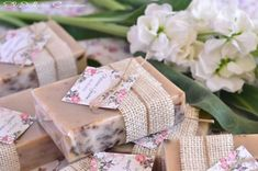 recuerdos originales y utiles para bautizo Soap Packing, Soap Wedding Favors, Sustainable Gifts, Ideas Para Fiestas, Custom Stamps, Home Made Soap, Bridal Shower Gifts, Girl Shower, Handmade Soaps