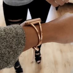 Our Mia Apple watch bracelet is the perfect accessory for your wardrobe. Browse The Ultimate Cuff online today to find the best selection of Apple watch bands, cuffs & more. Apple Watch Bracelet Band, Apple Watch Cuff, Rose Gold Apple Watch, Apple Watch Iphone, Apple Watch Necklace, Apple Watch Bands Gold, Iphone Watch Bands, Apple Band, Apple Watch Accessories