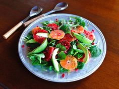 Citrus Avocado Salad with Poppy Seed Dressing - This healthy winter spinach salad recipe with citrus, avocado, pomegranate seeds and poppy seed dressing is nourishing, healthful and seasonal. Winter Salad Recipes, Spinach Salad Recipes, Holiday Recipes, Holiday Foods, Poppy Seed Dressing Healthy, Poppyseed Dressing Recipe, Vegan Appetizers, Avocado Salad, Food For A Crowd