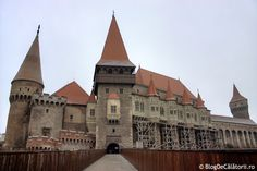This castle features Gothic architecture, weaponry displays, and some authentic dark history. Scary Places, Places To See, Tens Place, Scary Stories, Gothic Architecture, Romania, Traveling By Yourself, Beautiful Places, How Are You Feeling