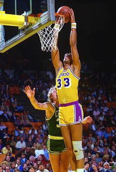 Basketball Pictures, College Basketball, Basketball Court, Kentucky Colonel, Kareem Abdul Jabbar, I Love La, Magic Johnson, Win Or Lose, Larry Bird