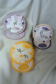 Scallop circle easel cards.