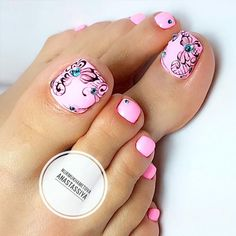 Having short nails is extremely practical. The problem is so many nail art and manicure designs that you'll find online Toenail Art Designs, Pedicure Designs, Manicure E Pedicure, Toe Designs, Pretty Toe Nails, Cute Toe Nails, Pretty Pedicures, Toe Nail Color, Toe Nail Art