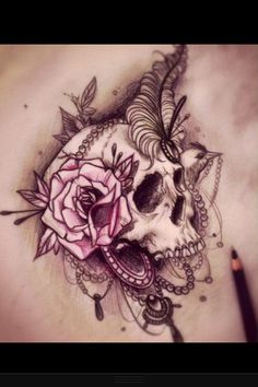 This is the most lady like skull I've ever seen. Loooove.