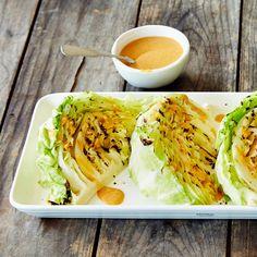 Grillatut kaalilohkot | K-ruoka #grillaus #kaali Koti, My Cookbook, Fresh Rolls, Bbq, Food And Drink, Menu, Salad, Snacks, Drinks