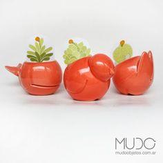 MACETAS BALLENA, PALOMA Y CONEJO PARA CACTUS y suculentas. Color Tomate