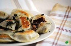 Pierogi z kaszą gryczaną, pieczarkami i grzybami http://zwegowani.pl/pierogi-z-kasza-gryczana-pieczarkami-i-grzybami/