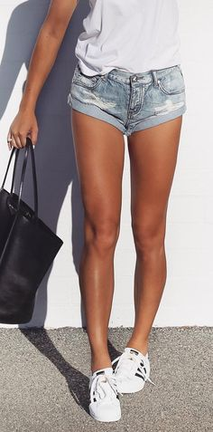 cool ways to wear denim shorts