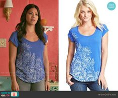 Jane's blue floral tee on Jane the Virgin. Outfit Details: https://wornontv.net/56274/ #JanetheVirgin