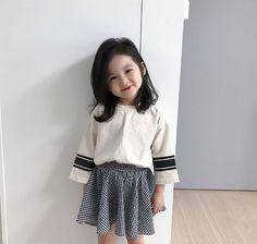 Most Popular Korean Baby Kids Ideas Cute Asian Babies, Korean Babies, Cute Babies, Cute Little Baby, Baby Kind, Cute Baby Girl, Baby Girls, Baby Baby, Kids Girls