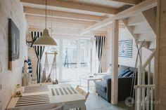 MARYNARSKIE DOMKI i SKANDYNAWSKIE DOMY to kameralne ośrodki wybudowane w 2015/2016r. MARYNARSKIE DOMKI to kompleks 12-stu domków, wybudowanych w konstrukcji drewnianej