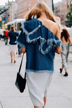 Denim one sleeve top, street style, fashion week, Tommy ton Denim Top, Denim Fashion, Womens Fashion, Fashion Trends, Net Fashion, Style Fashion, Style Blog, My Style, Estilo Jeans