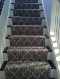 carpet runner with moroccan trellis