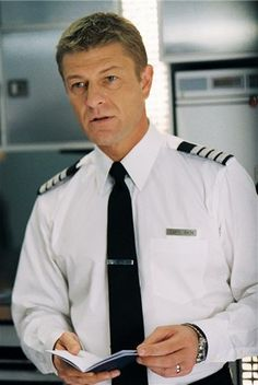 Sean Bean, dressed as an airplane Captain in the movie 'Flightplan' (: great movie!!