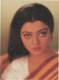 Bhanupriya Vintage Bollywood, Beautiful Bollywood Actress, Indian Film Actress, Bollywood Stars, Photography Women, A Decade, Feature Film, Mona Lisa, Dancer