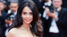 Bollywood Actress Teargassed During Botched Paris Robbery  Suspected robbers attacked the couple last Friday night but fled empty-handed.  read more